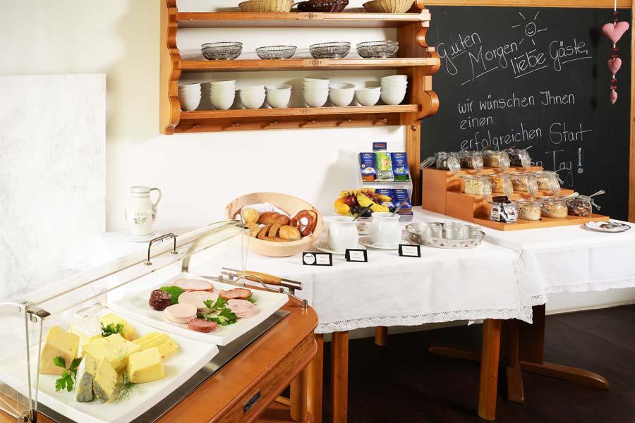 Frauenfrühstück-KLosterhof Gutenzell-2017-8b 900x600
