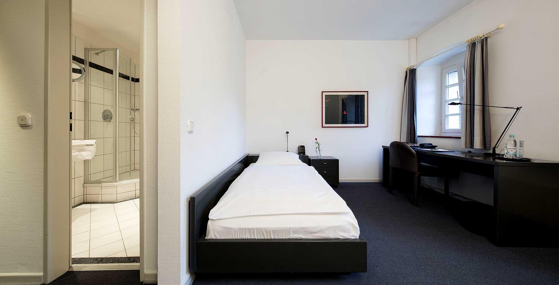 Schloss-Gracht-Zimmer-Wp-1